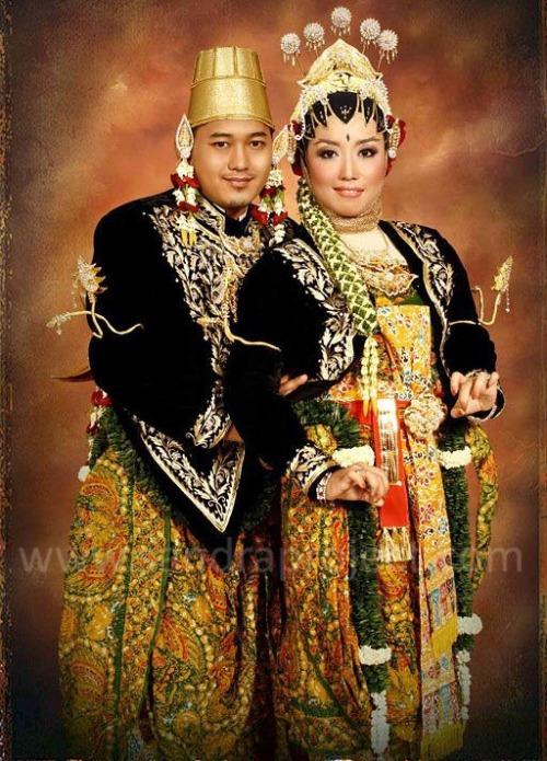 tata rias dan busana pengantin