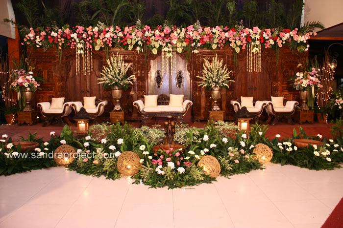 Pernikahan Adat Sunda Esti Dan Juan Di Persada Halim Sport Club